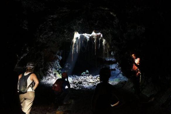 sortie-spc3a9lc3a9o-tunnels-de-lave